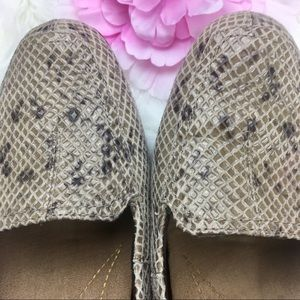 Clarks Artisan Snakeskin Print Loafers 8